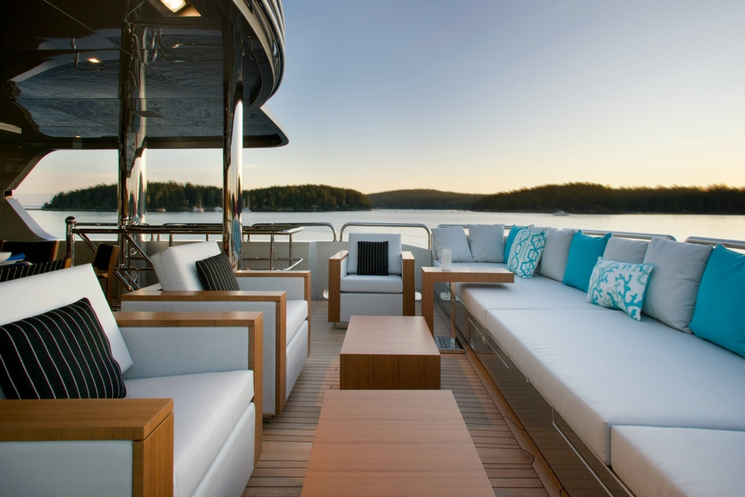 Yacht ODESSA - Aft Seating