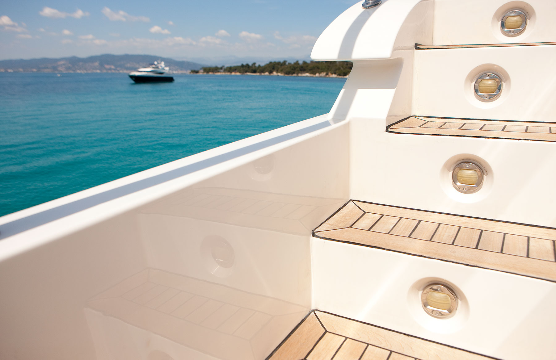 Yacht SUPERTOY - Deck Detail