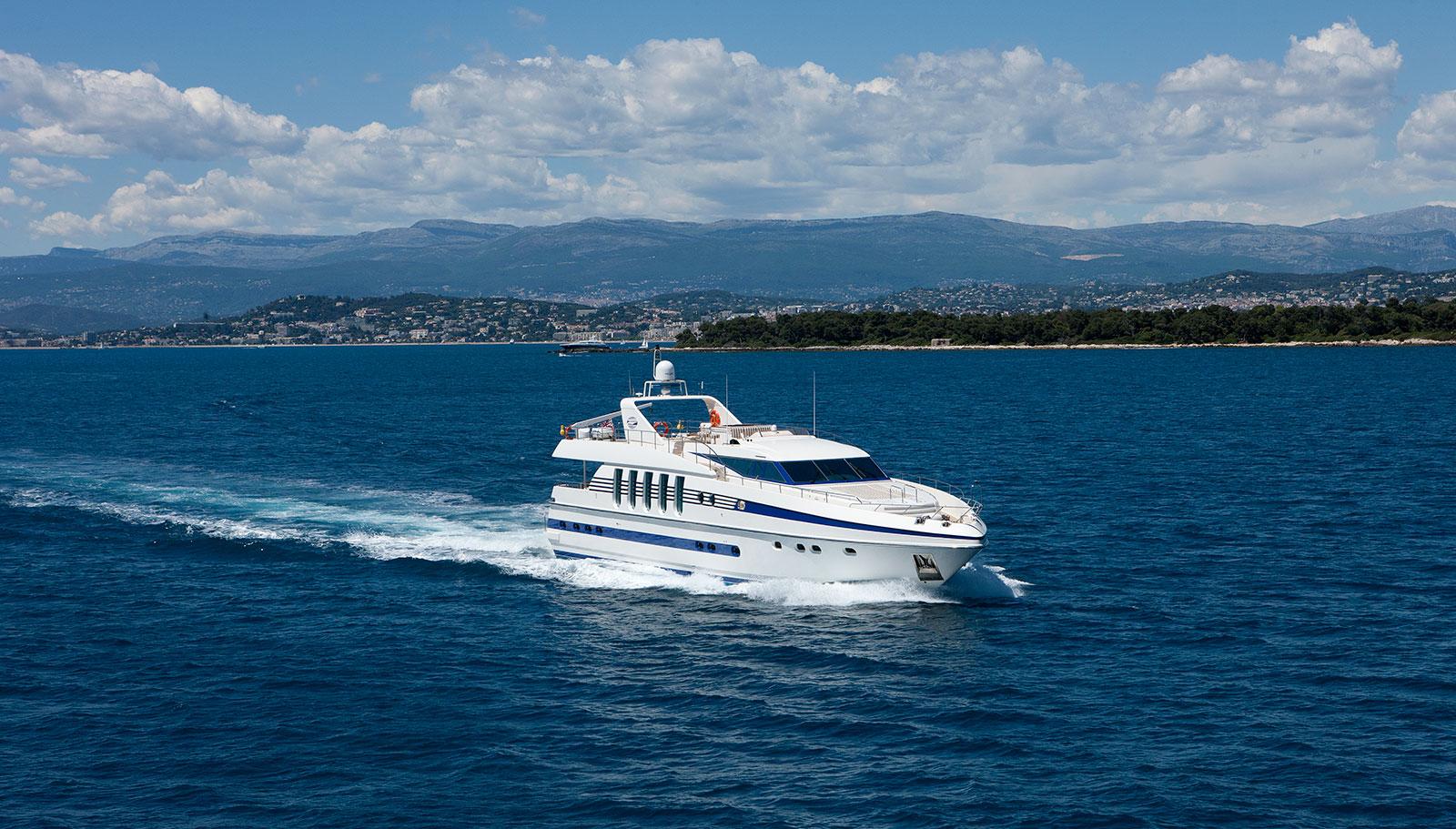 Yacht SUPERTOY - France