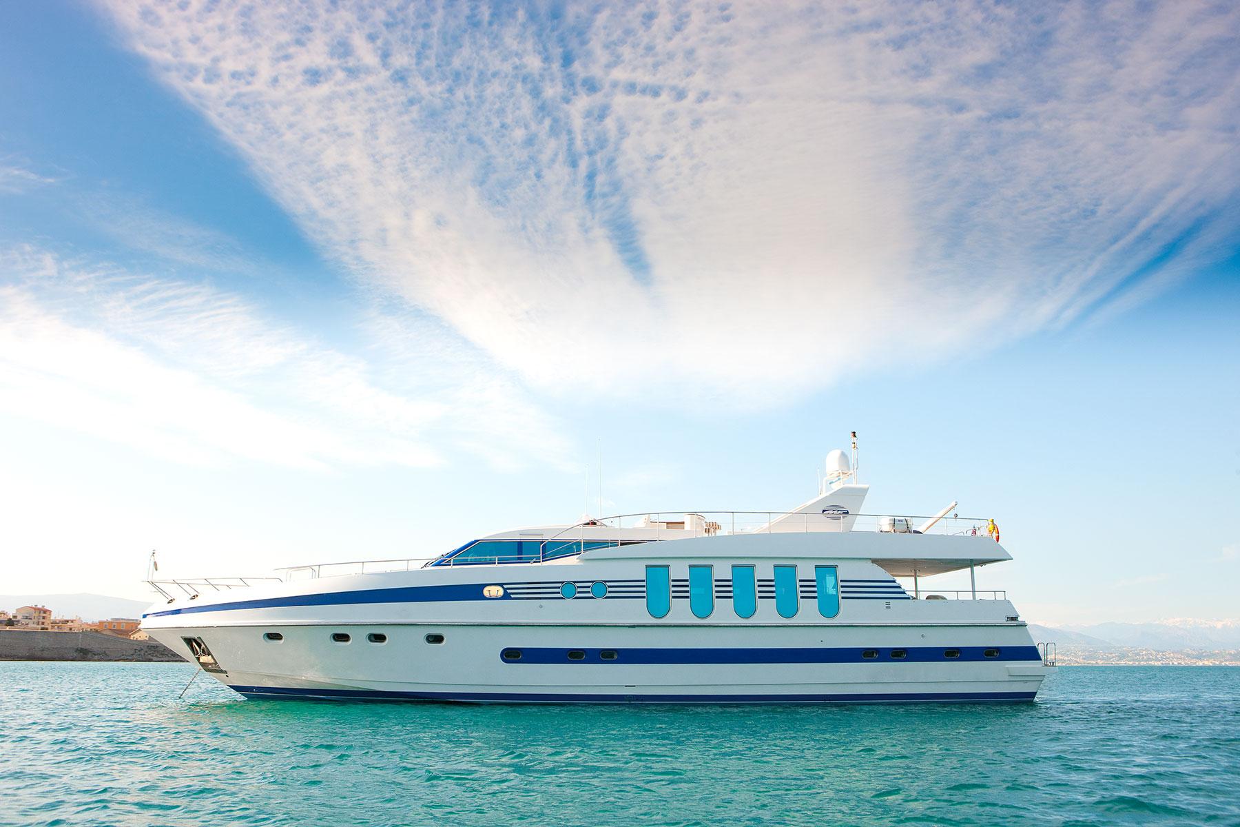 Yacht SUPERTOY - Main