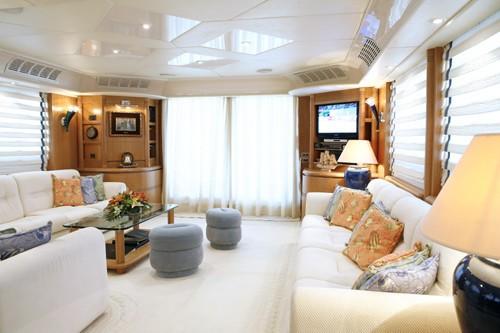 The 27m Yacht ERATO