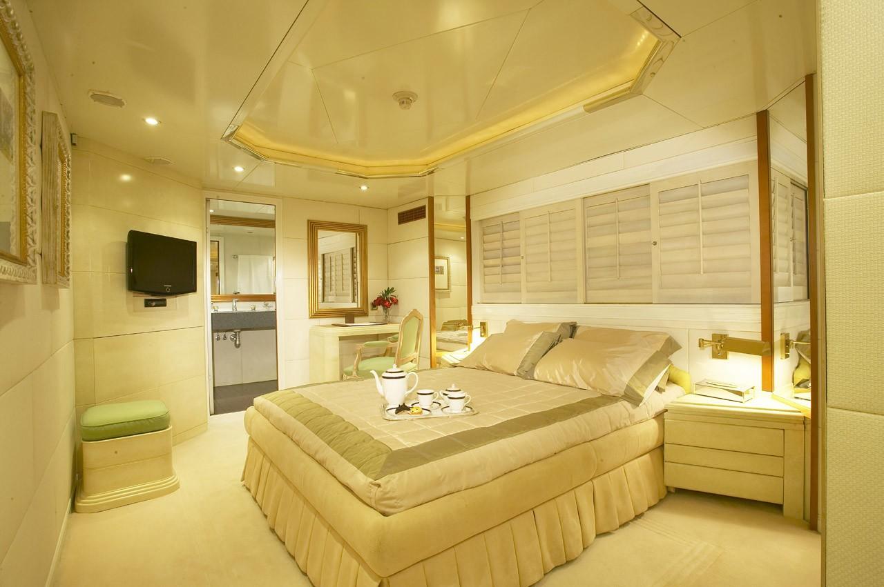 VIP Cabin On Yacht AMZ