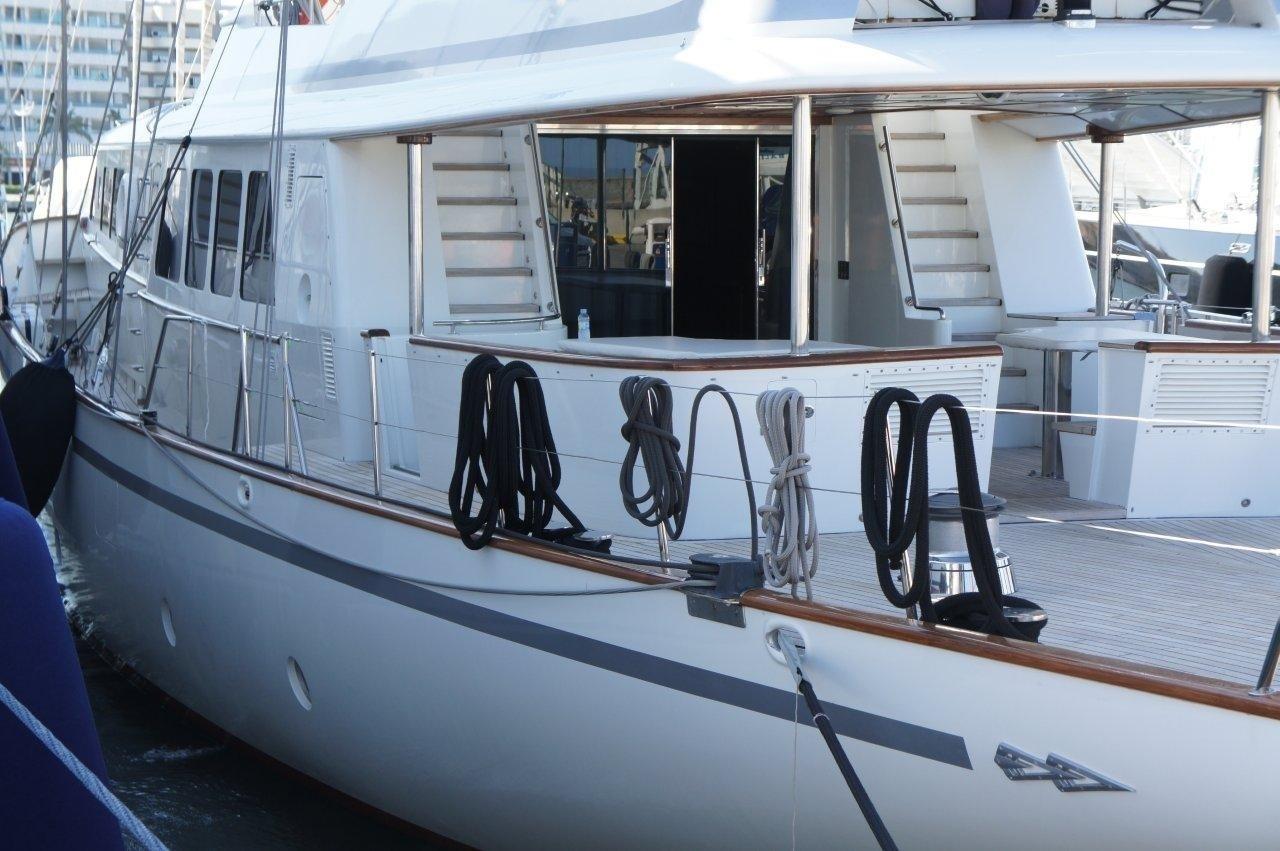Exterior Profile On Yacht AIGLON