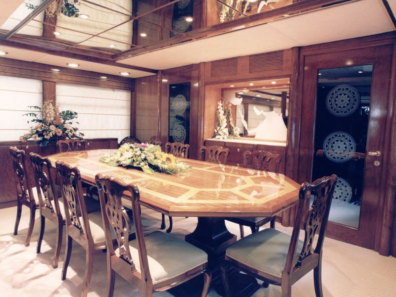 Eating/dining Saloon Aboard Yacht WHITE KNIGHT