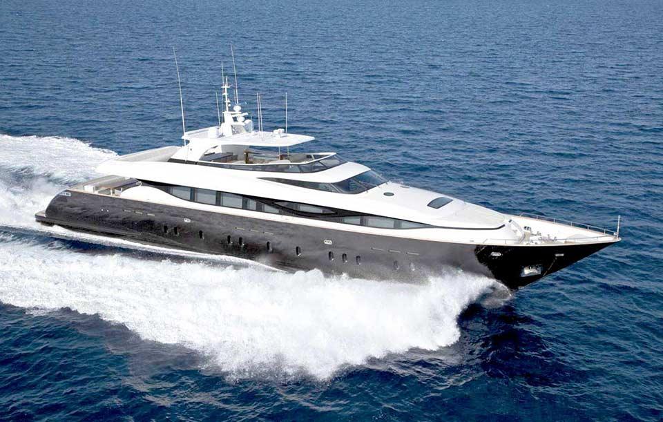 Charter Motor Yacht Level C
