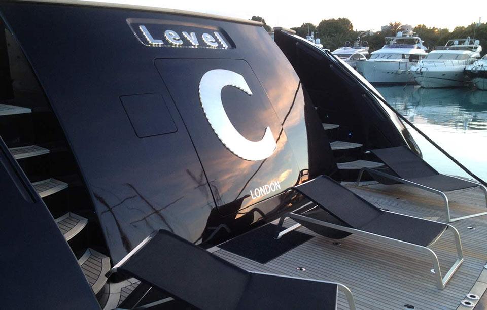 Motor Yacht Level C - Aft