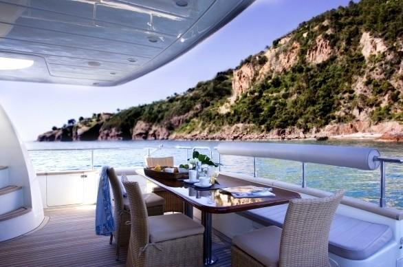 The 25m Yacht LAYSH LA