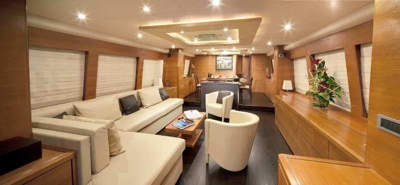 The 30m Yacht MAYAMA