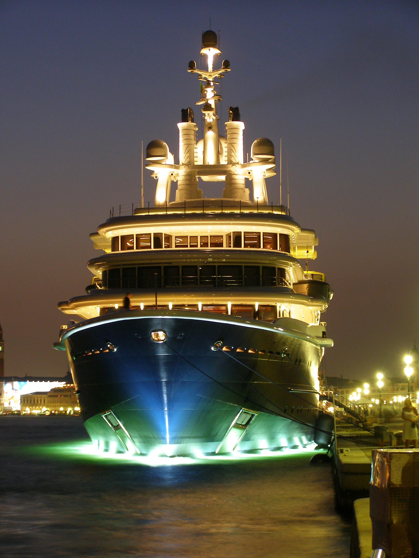 Evening: Yacht LUNA's Profile Captured