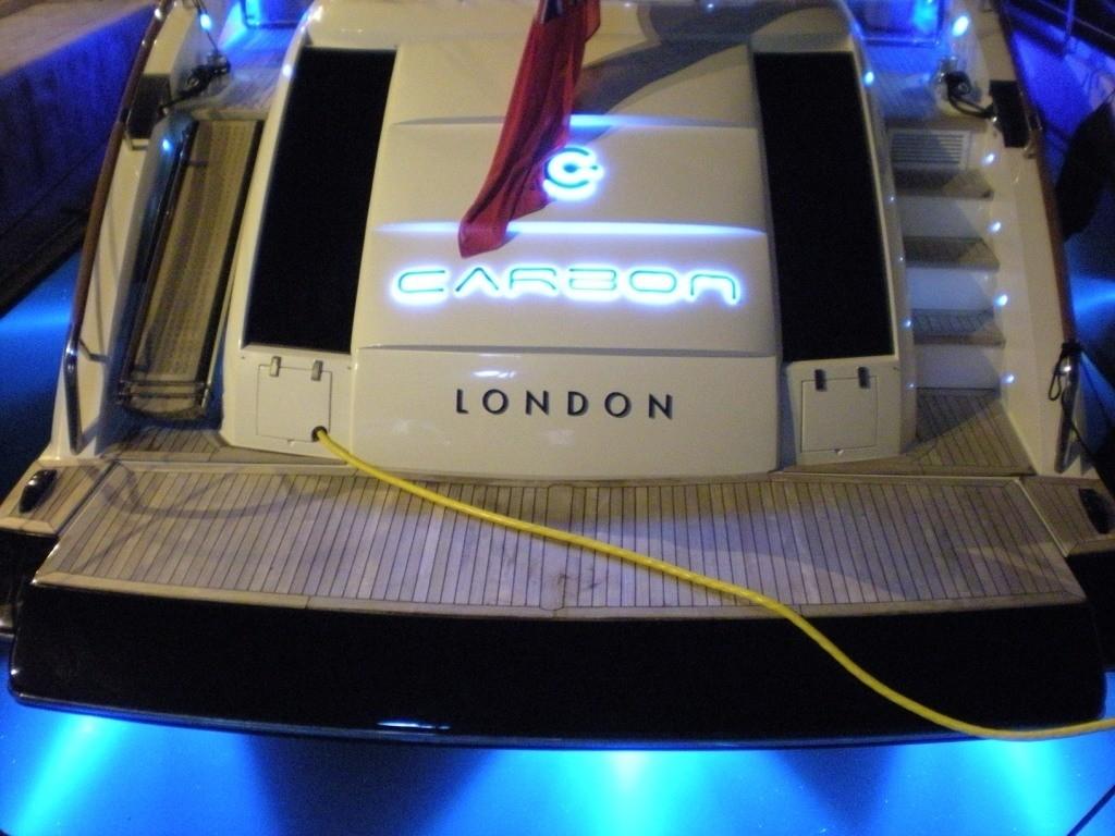 The 23m Yacht CARBON