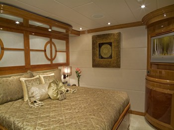 The 29m Yacht TIGERS EYE