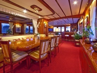 Eating/dining Saloon On Yacht 5 FISHES