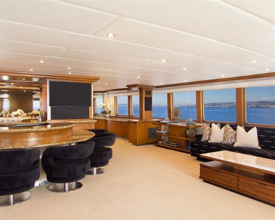 The 37m Yacht SERENITY