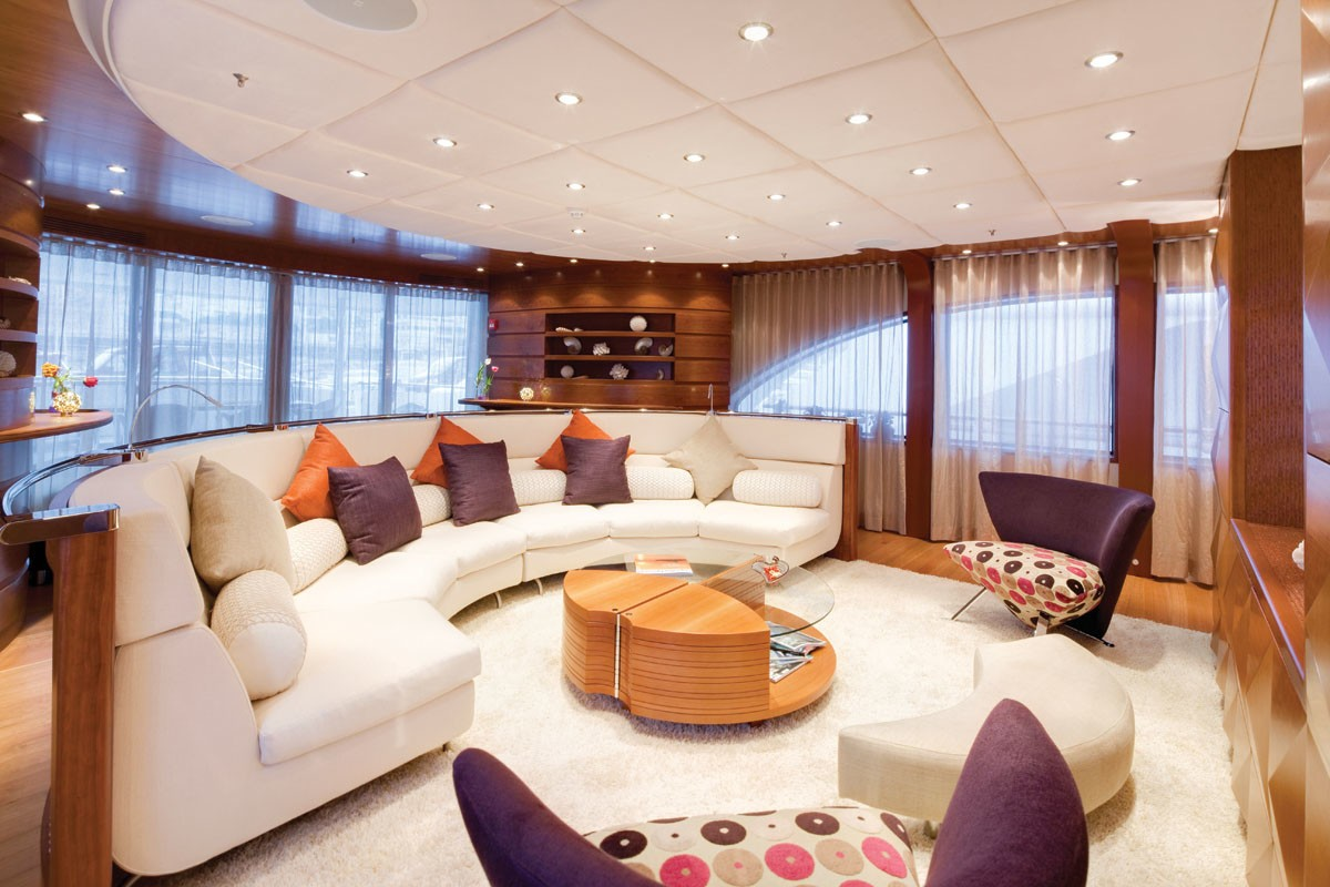 Premier Saloon Aboard Yacht NORTHLANDER