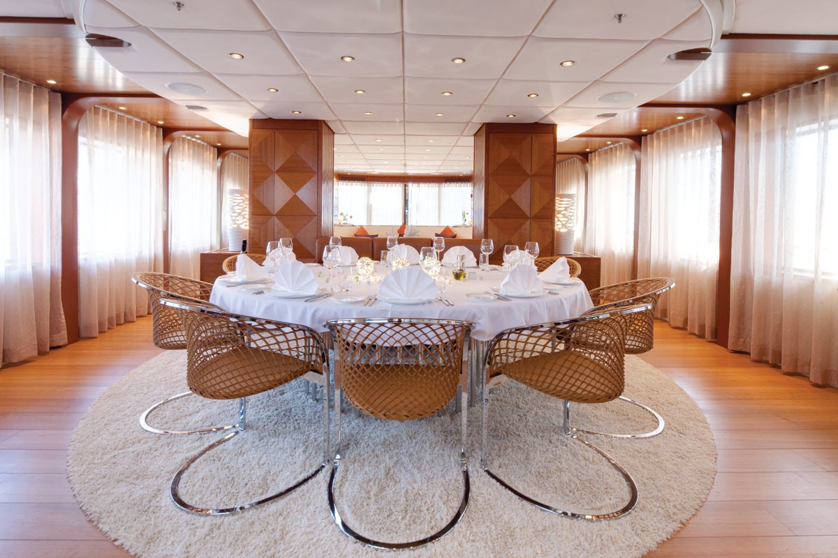 Eating/dining Saloon On Yacht NORTHLANDER