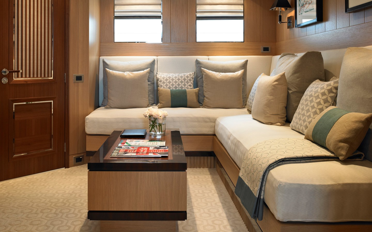 Sitting: Yacht KATHLEEN ANNE's Main Master Cabin Image