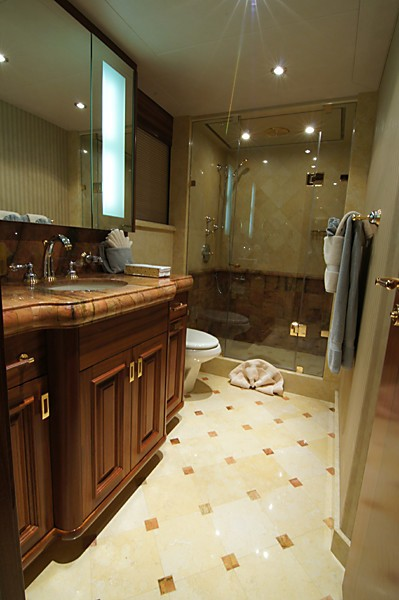 Bath On Board Yacht MILK MONEY