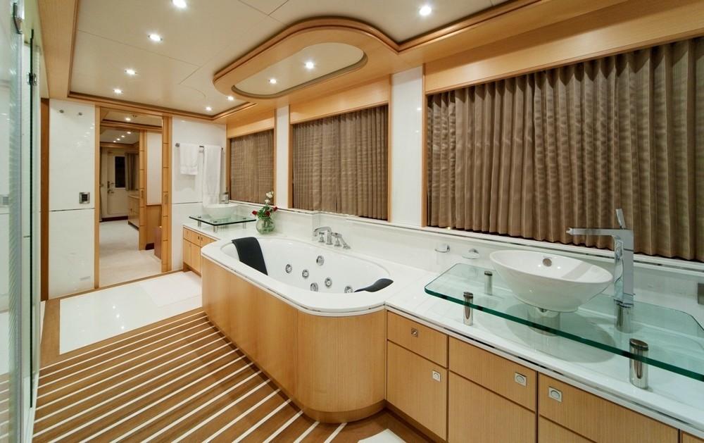 Main Master Bath On Yacht GOLDEN HORN