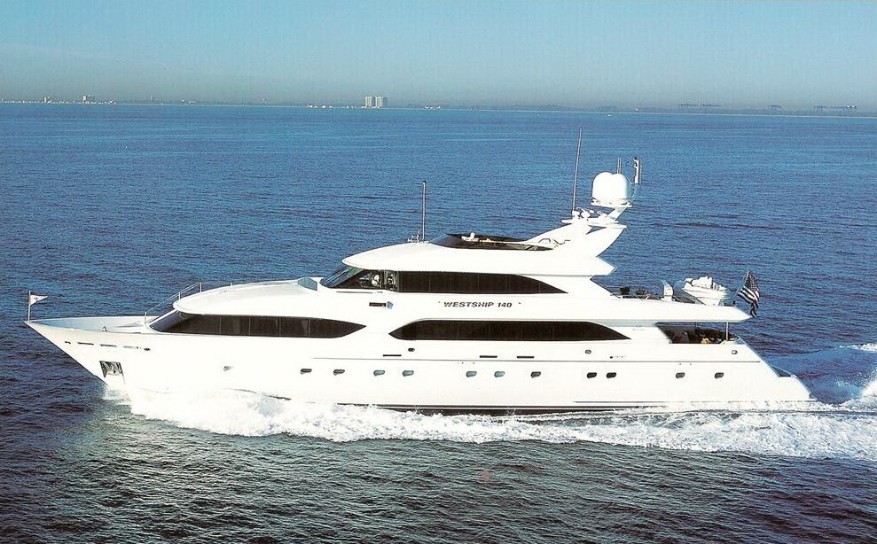 The 42m Yacht MONA LIZA