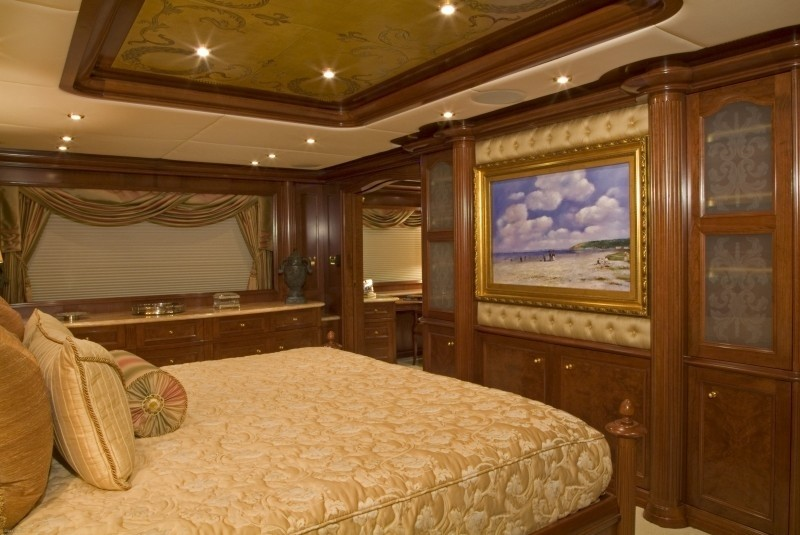 Main Master Suite Aspect Aft On Yacht BIG ZIP
