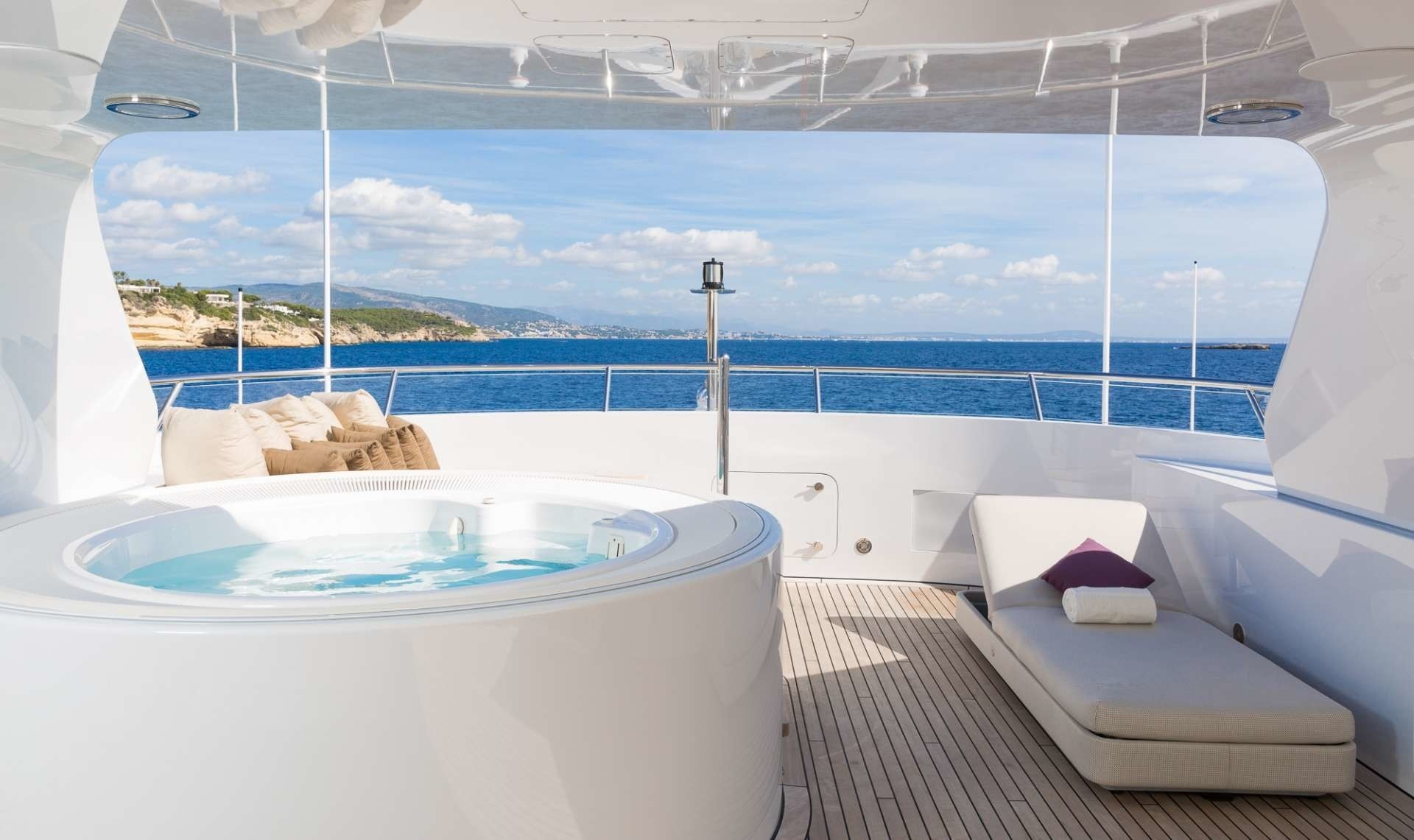 Life On Board Yacht GO