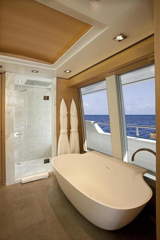 Aspect: Yacht BIG FISH's Main Master Bath Photograph