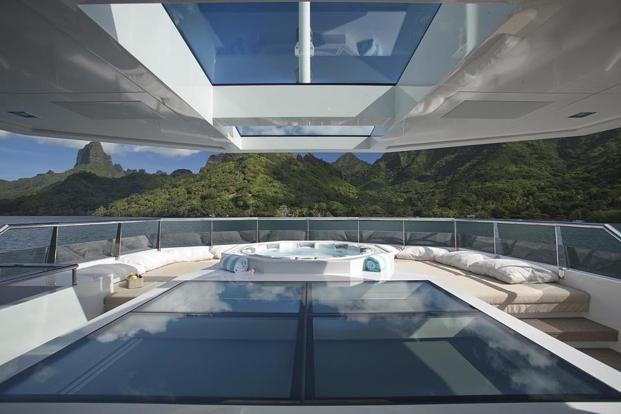 Detail: Yacht BIG FISH's Jacuzzi Pool Photograph
