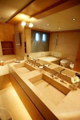 VIP Bath On Yacht ALKHOR