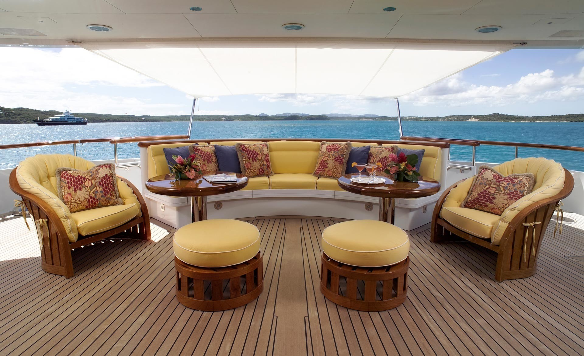 Premier Deck Aboard Yacht HUNTRESS II