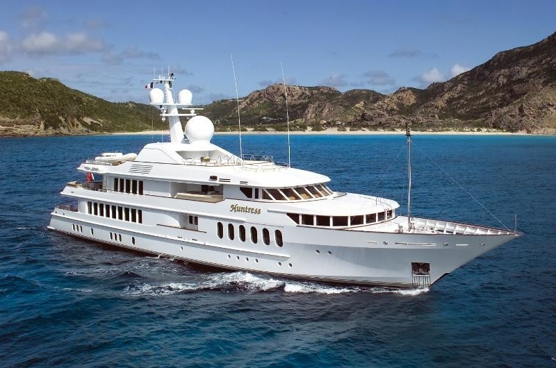 Forward: Yacht HUNTRESS II's Cruising Captured