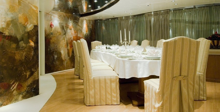 Art: Yacht ELEGANT 007's Eating/dining Saloon Photograph