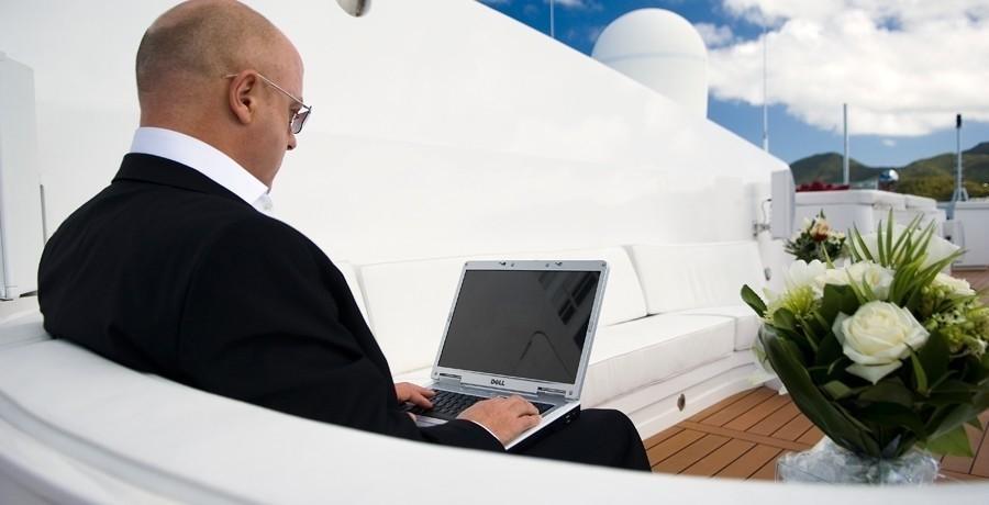 Sitting: Yacht ELEGANT 007's Sun Deck Photograph
