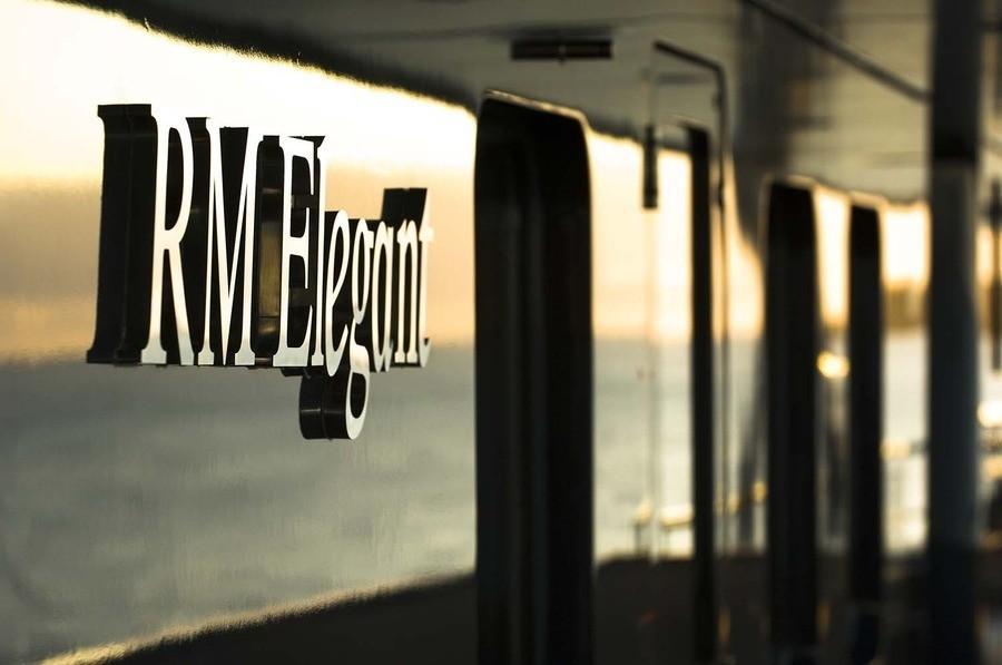 External Close Up On Board Yacht ELEGANT 007