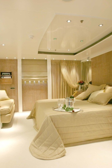 Neutralised: Yacht ELEGANT 007's Guest's Cabin Captured