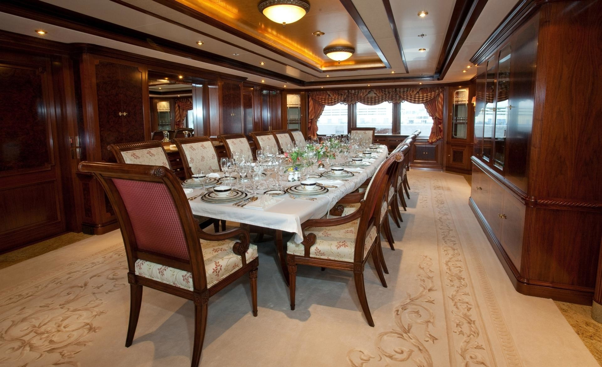 Eating/dining Saloon Aboard Yacht TITANIA