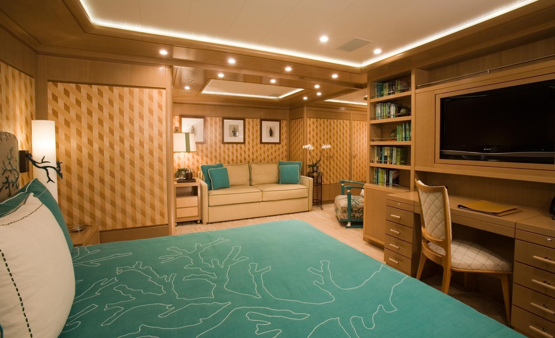 Double Sized Cabin Aboard Yacht ALFA NERO