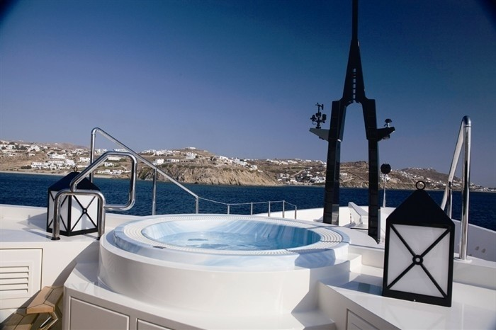 Jacuzzi Pool On Yacht ALFA NERO