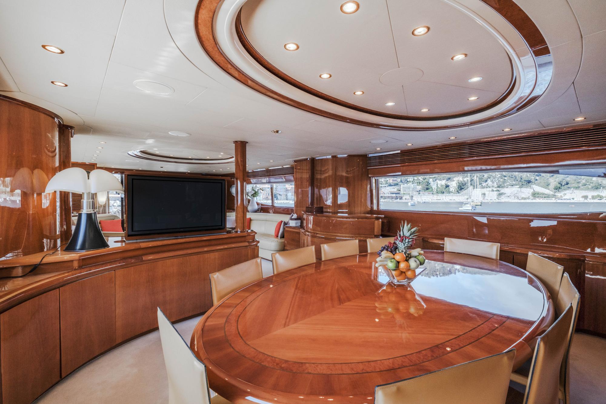 Motor Yacht BEIJA FLORE - Formal Dining