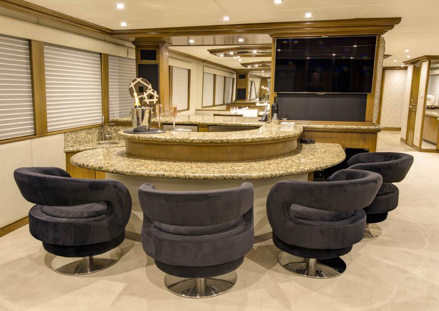 Serenity main salon bar