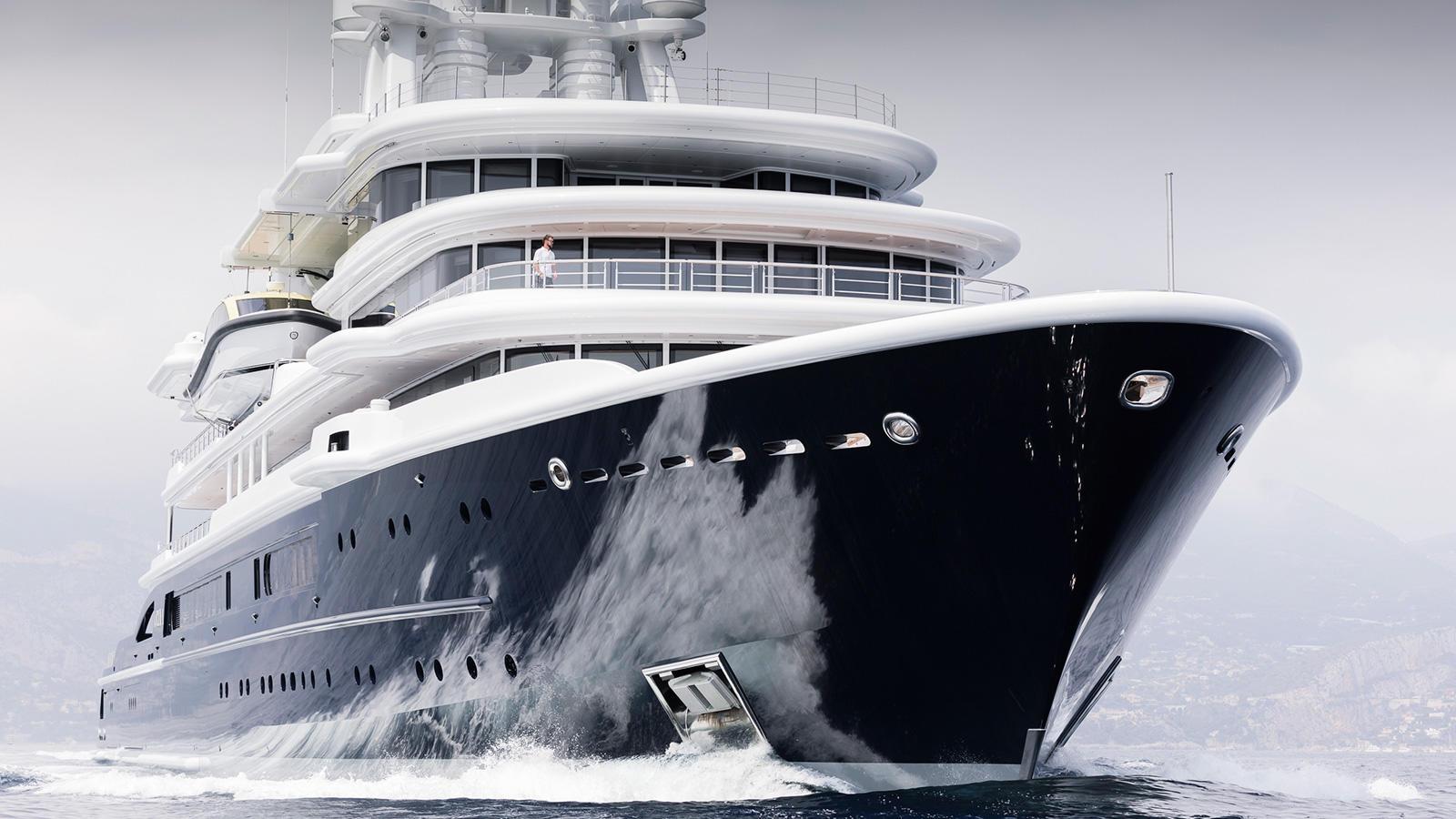 Superyacht Luna by Lloyd Werft Running Shot Bow
