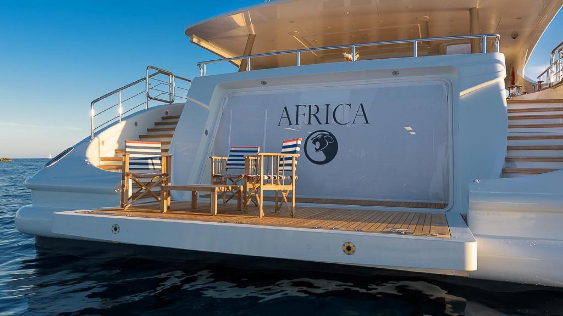 LAUREN L - Beach Setup – Luxury Yacht Browser | by CHARTERWORLD ...
