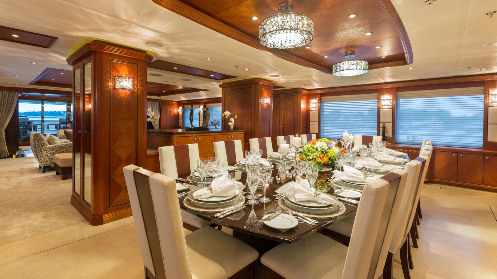 Yacht Skyfall By Trinity - Dining Room