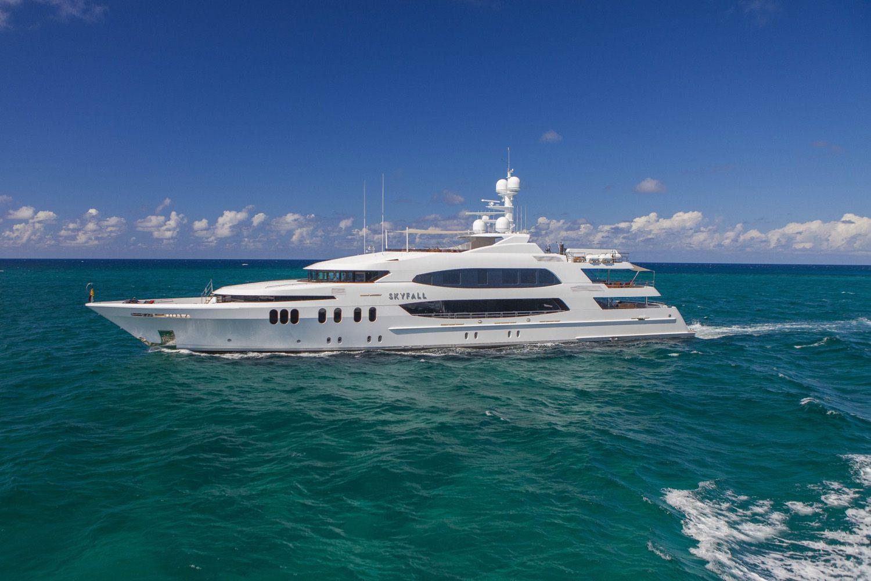 Yacht Skyfall By Trinity - Side Profile