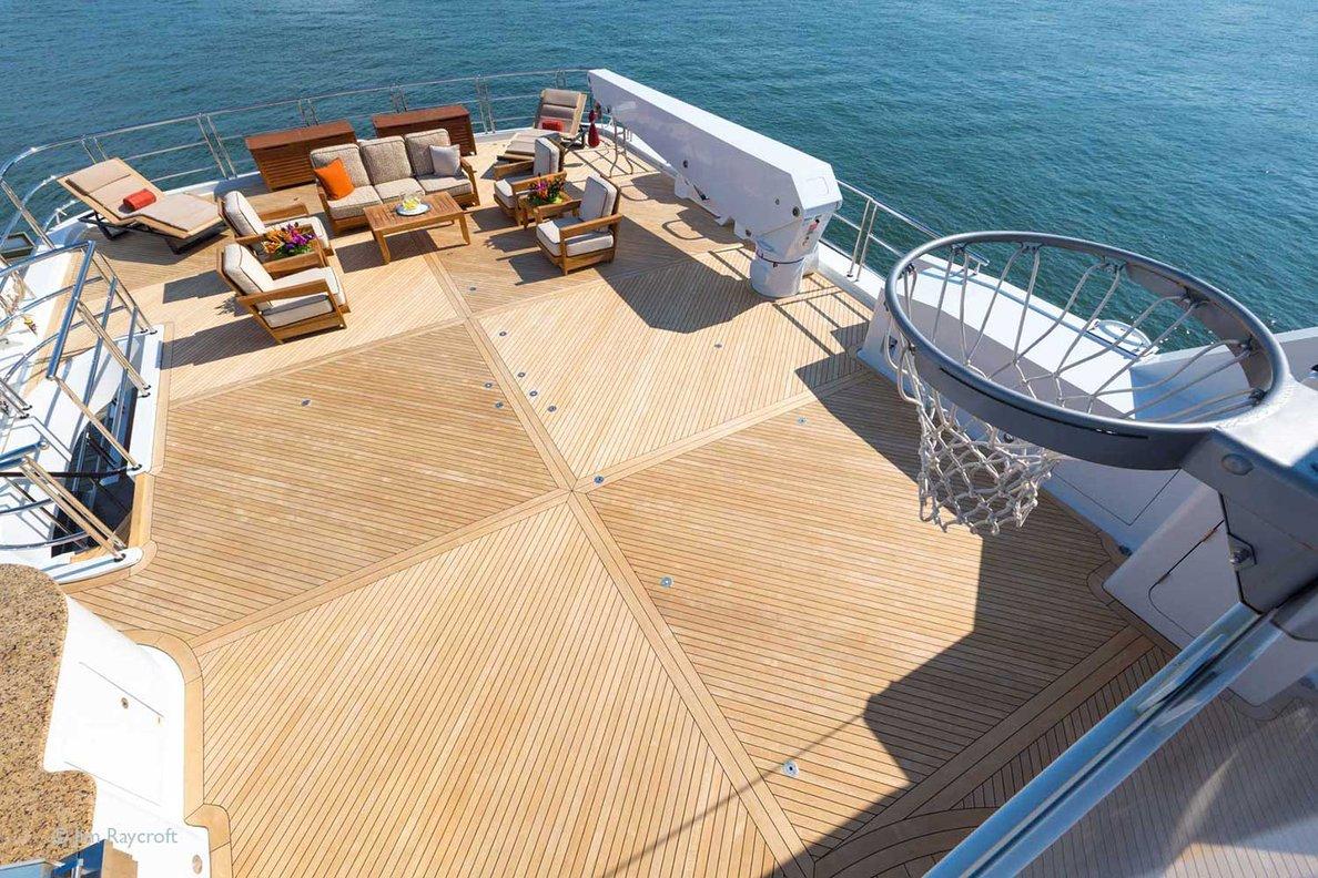 Yacht Skyfall By Trinity - Sundeck Games With Basketball