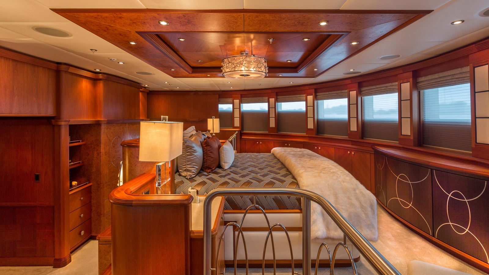 Yacht Skyfall By Trinity - Master Suite