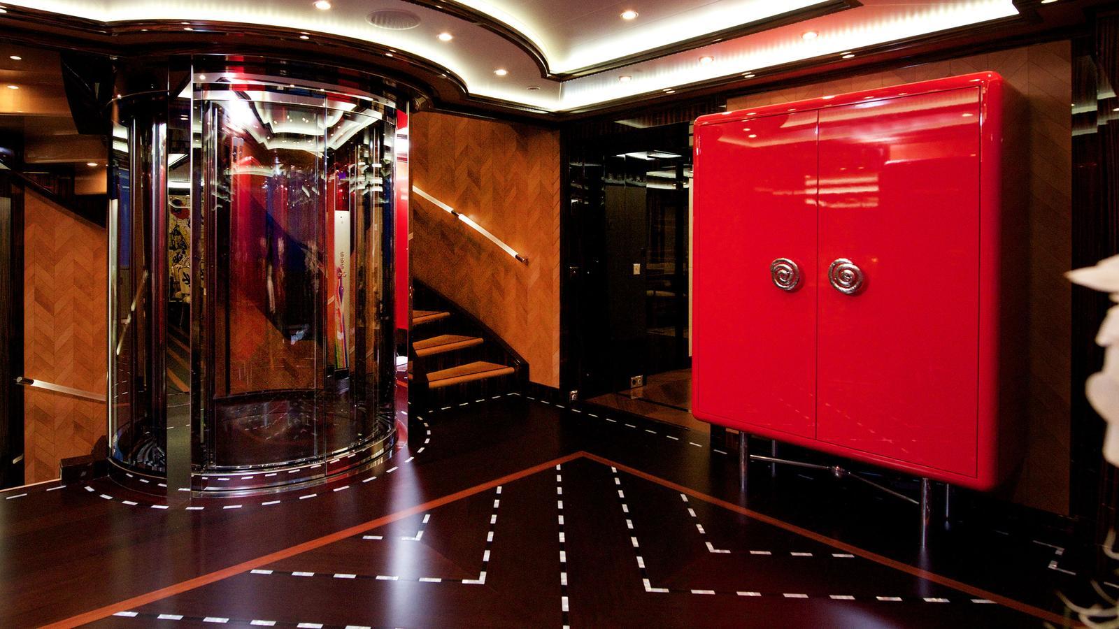 Alfa Nero Oceanco Lift