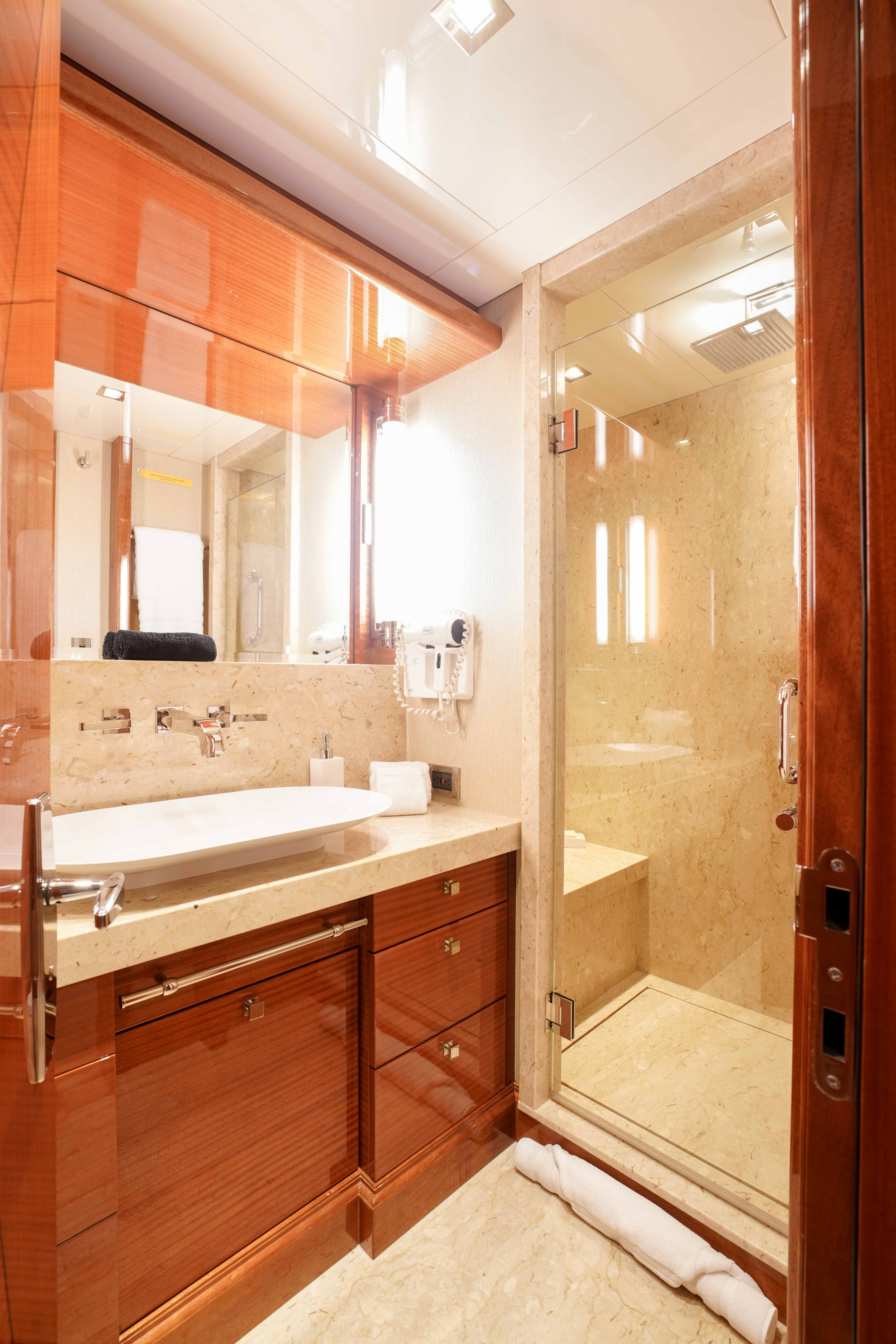 Guest Stateroom Bath