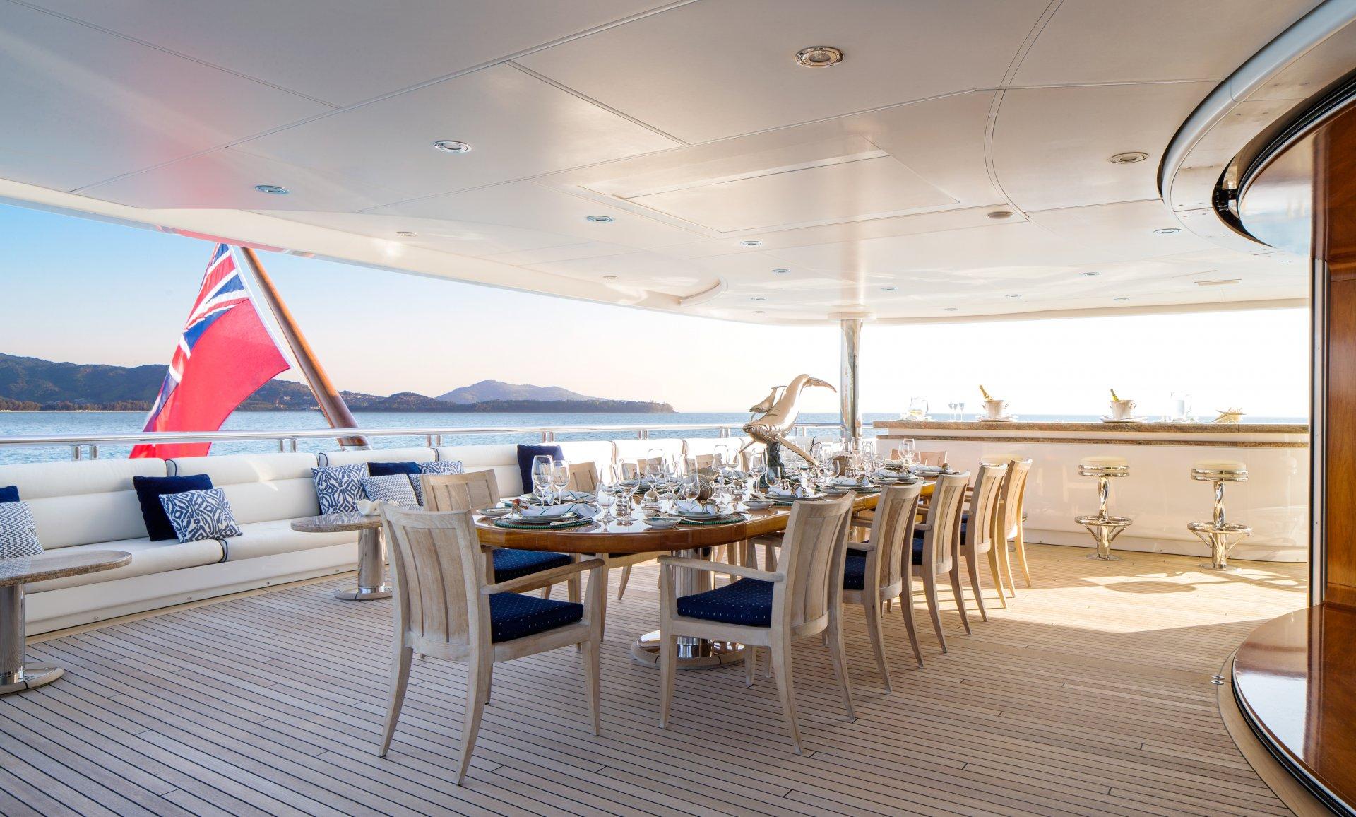Yacht Titania Exterior