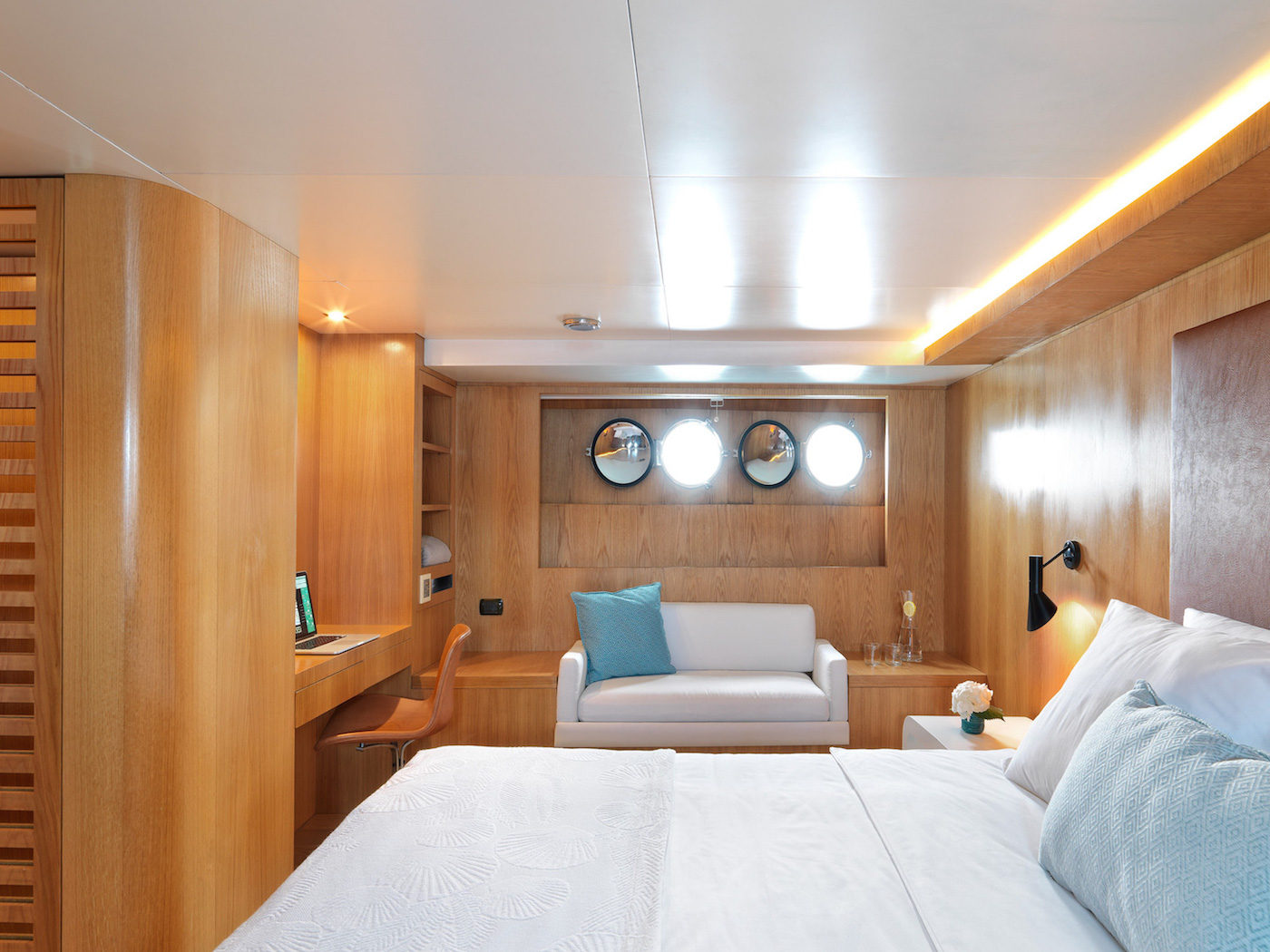 HAPPY DAY VIP CABIN  Lower AFT