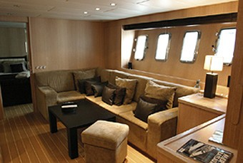 Saloon On Board Yacht BEST MOUNTAIN